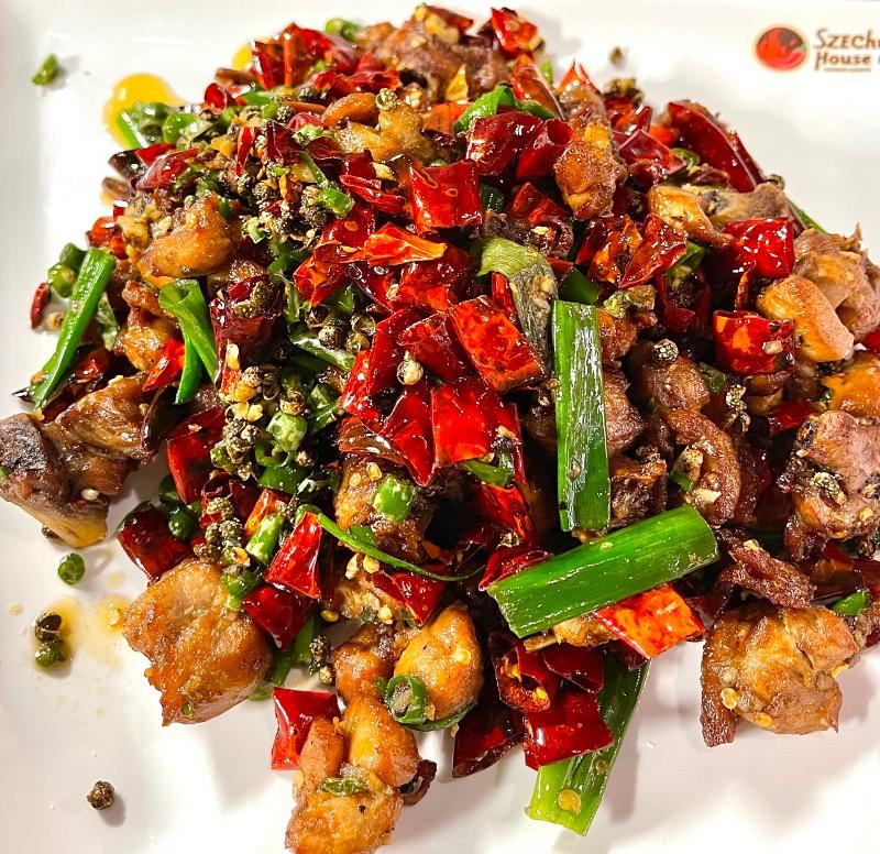 5. 小米椒爱上小公鸡 Chicken w. Spicy Pepper