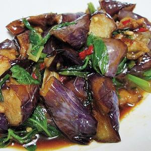 T32. Eggplant Fried w. Basil 九層塔炒茄子