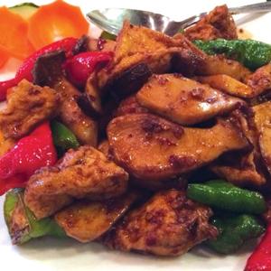 T34. Dry Chili w. King Oyster Mushroom & Tofu 辣子杏鮑菇豆腐