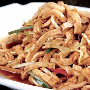 T07. Shredded Pork w. Dry Bean Curd 香干肉絲