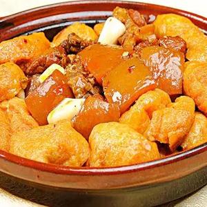 T11. Pork Belly w. Fried Tofu in Mom's Sauce 紅燒五花肉油豆腐 Image