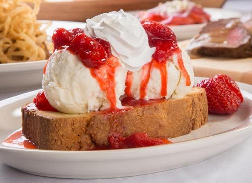 Strawberry Pound Cake Image