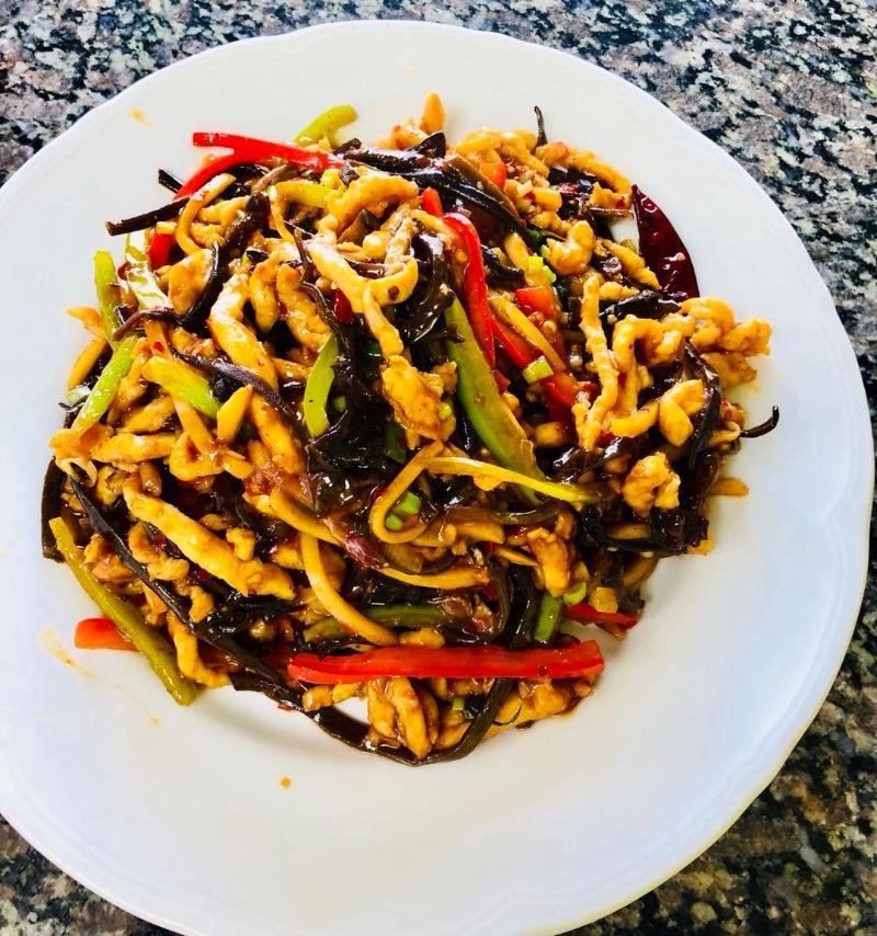 12. 鱼香鸡 Chicken in Hot Garlic Sauce Image