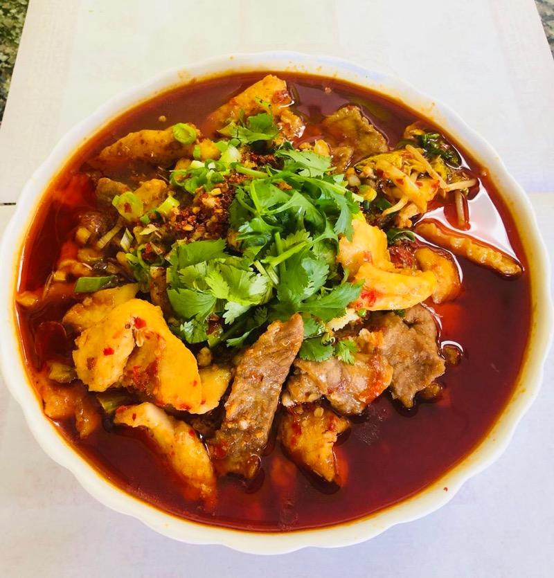 8. 水煮两样 Beef & Fish Fillet in Hot Gravy Image