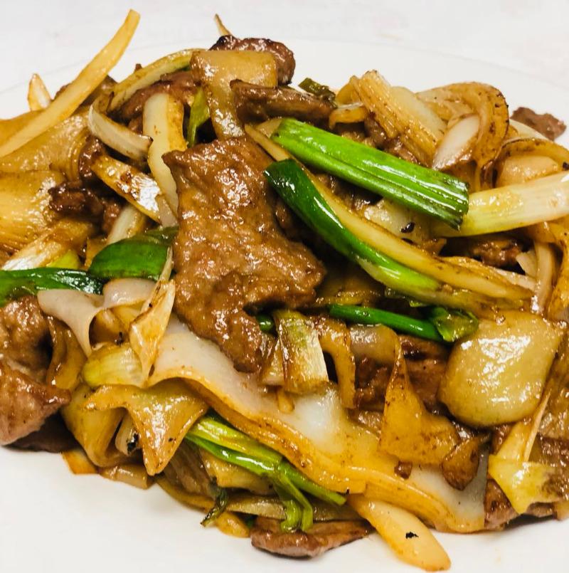 2. 干炒牛河 Beef Chow Fun w. Soy Sauce (Dry) Image
