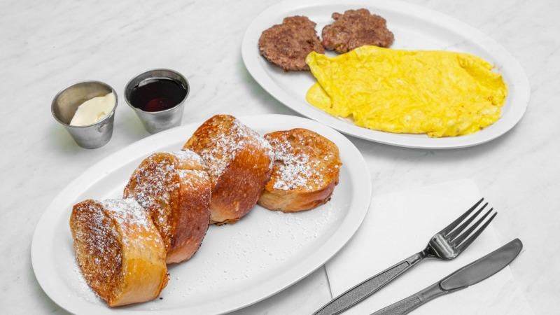 FRENCH TOAST, 2 EGGS & SAUSAGE (pork) Patties