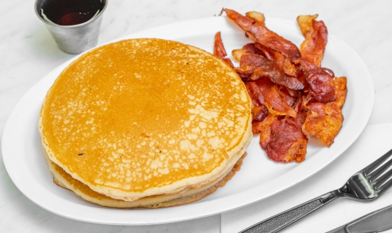 PANCAKES & 3 BACON (pork)