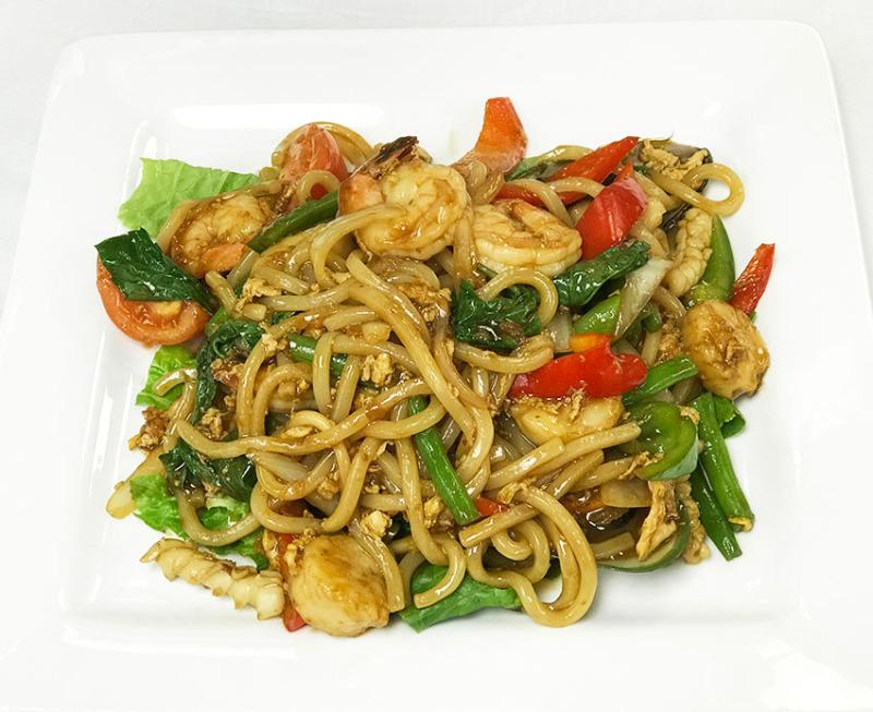 Udon Seafood Drunken Noodle Image