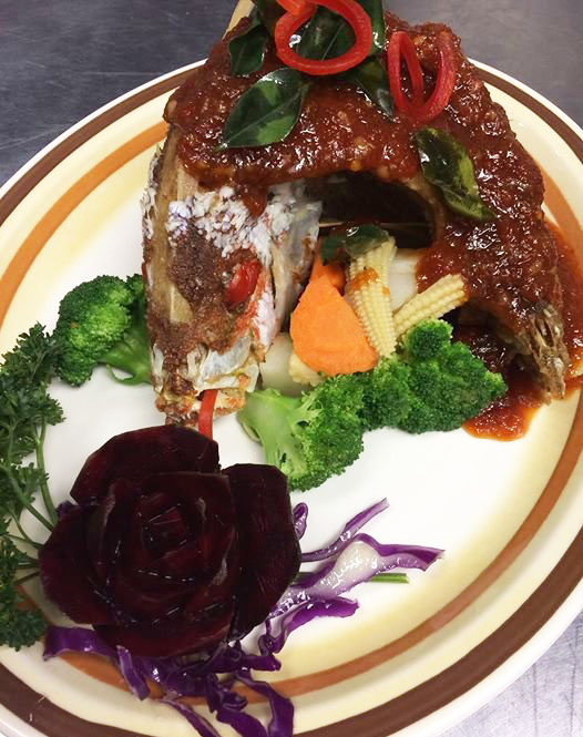 H7. Red Snapper in Sweet & Sour Sauce Image