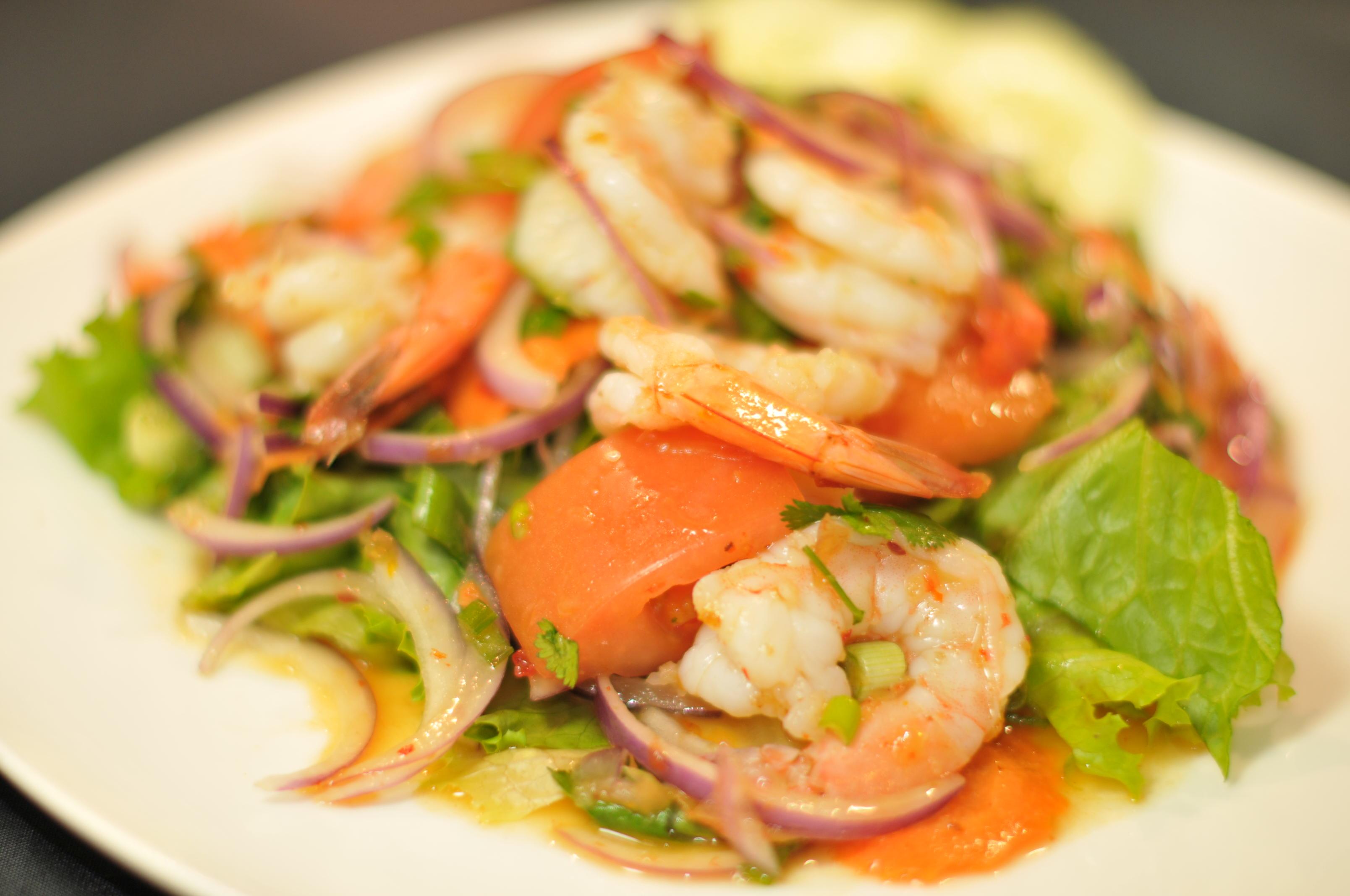 Yum Goong (Shrimp Salad) Image