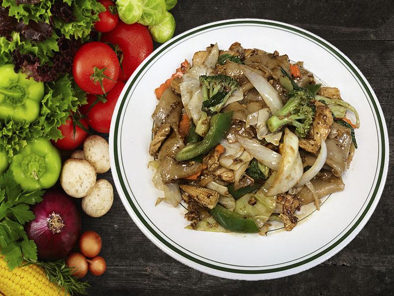 (41) Pud Khee Mow (Drunken Noodles) Image