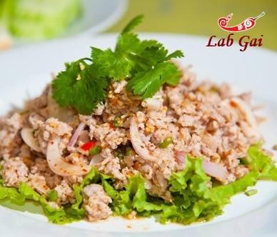 S1.Lab Gai (Chicken Salad) Image