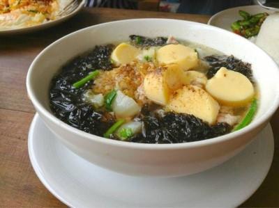 Seaweed Tofu Soup