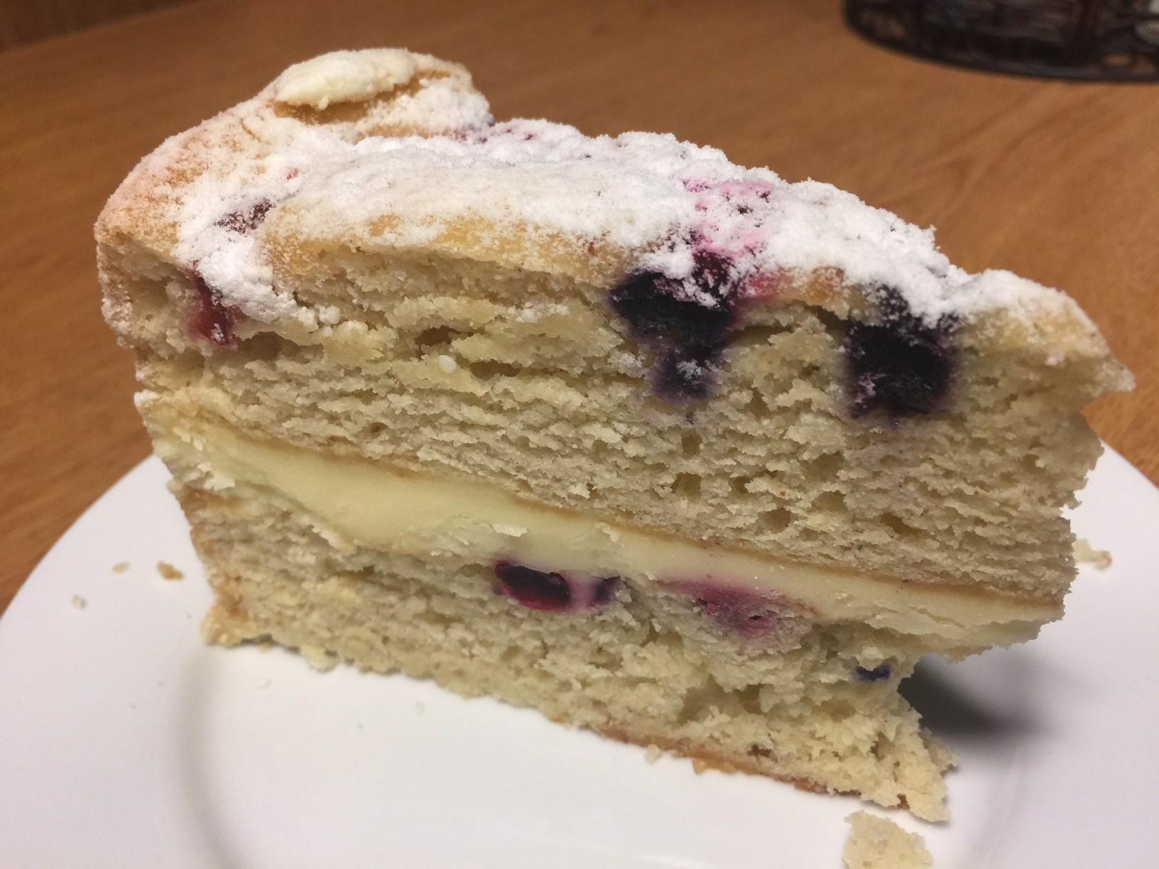 Lemon Berry Cake Image
