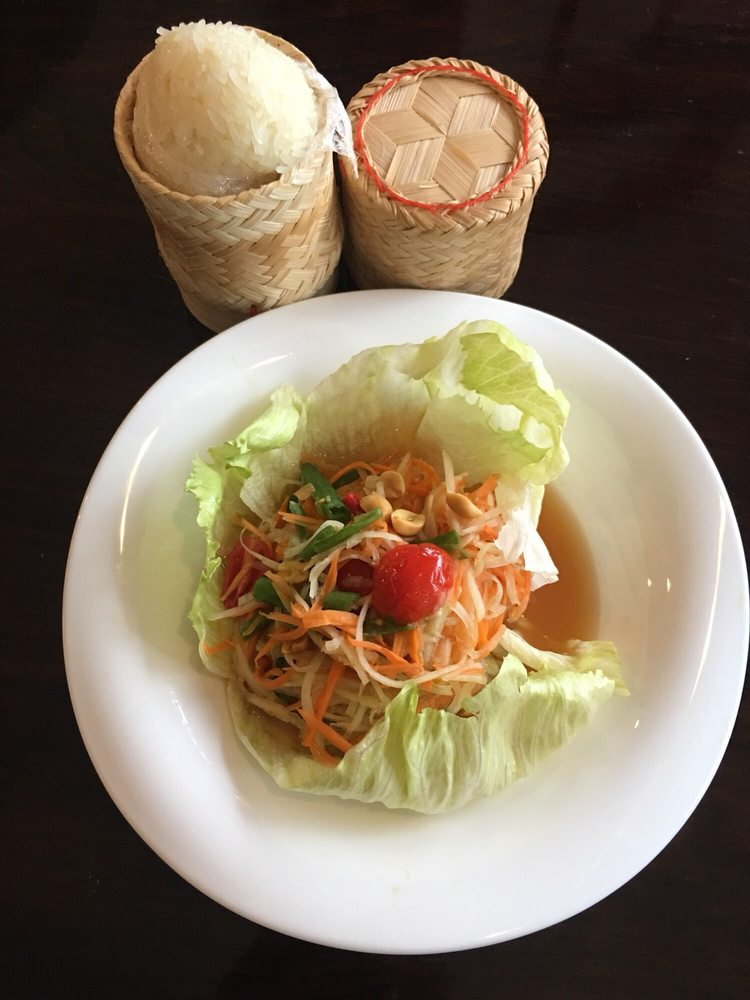 SL1. Green Papaya Salad (Som Tum)