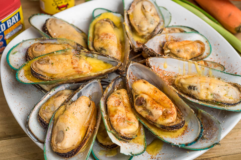 B4. Boiled On Half Shell Mussels Image