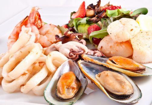 B9. Boiled Calamari, Mussels, Shrimps, Scallops Image
