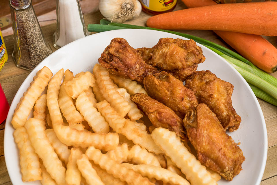 36. (6 Pcs) Wing with French Fries Image