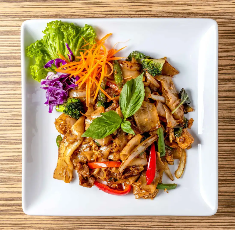 Pad Kee Mao [Drunken Noodles] (Lunch)