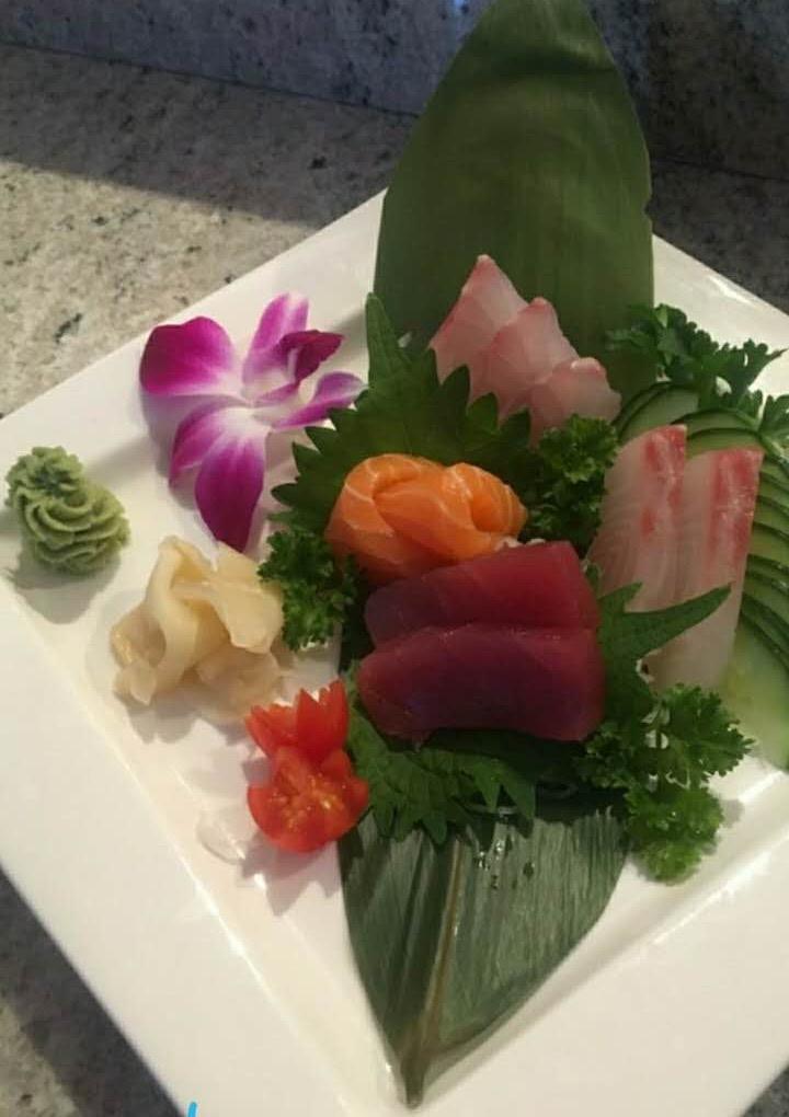 Sashimi Appetizer (7 pcs)