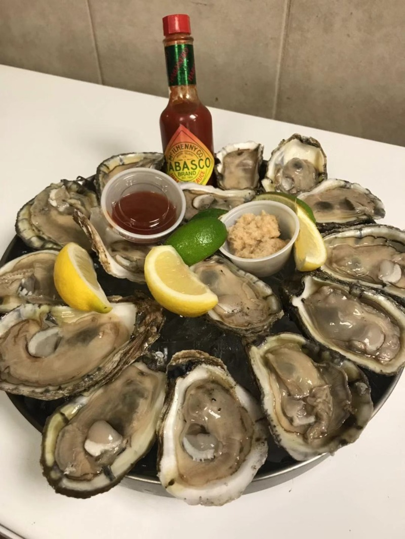 Raw Oysters Image