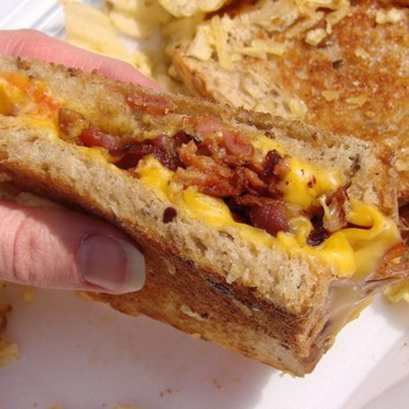 GUSTY GRILLED CHEESE SANDWICH Image