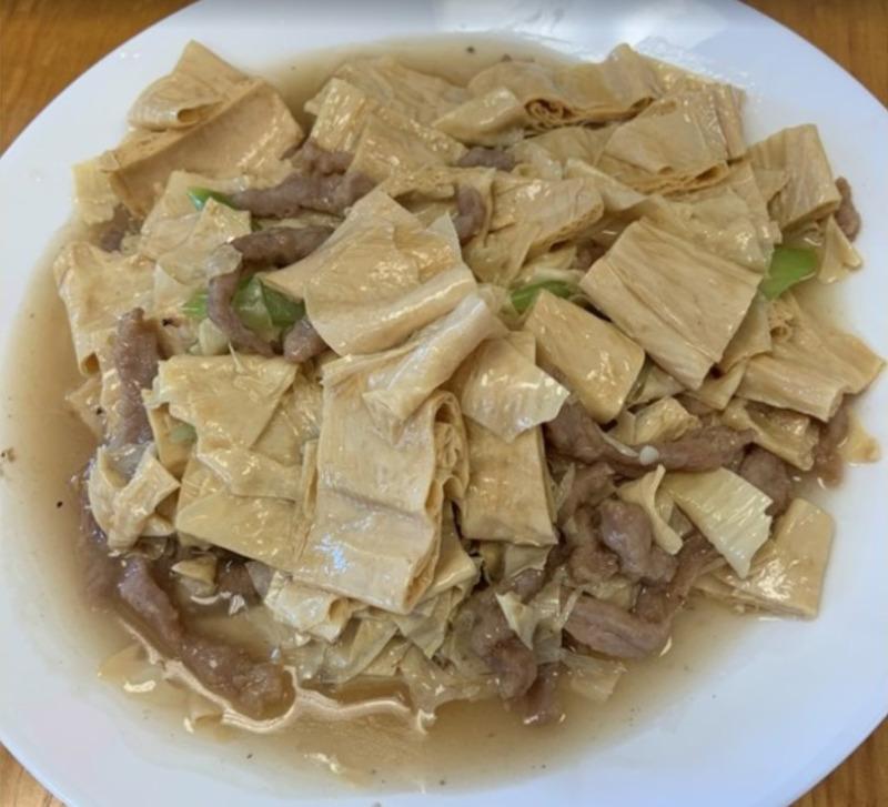 Dried Bean Curd Sticks w. Pork Image